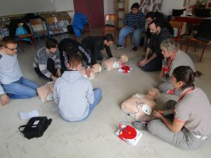 On apprend le défibrillateur