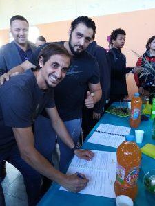Le 20 septembre 2019, la fondation OVE, par l'intermédiaire de l'IME Yves FARGE, a signé une convention avec l'entreprise Vaudaise F5-Foot Five.  Ce partenariat concrétise les engagements citoyens et humanistes de chacun, au travers d'une collaboration qui permet aux adolescents et majeurs en situation de handicap de l'IME : -De travailler en « milieu ordinaire », c'est-à-dire dans les locaux de l'entreprise Foot-Five, accompagnés d'un professionnel qui encadre les interventions et poursuit le travail éducatif et technique développé à l'IME, -De poursuivre d'autres objectifs en inclusion dans l'environnement, comme des actions autour de l'autonomie et de l'alimentation, du sport etc. La signature de cette convention a permis aux acteurs de ce beau projet de rappeler ses piliers : Jennifer, Abbdelrahmane, Mehenni et Daoud ont pu exprimer combien il est important de pouvoir être accueilli dans des entreprises : le travail demandé, le comportement et la reconnaissance qu'ils peuvent avoir rend leur apprentissage encore plus performant qu'à l'IME, sans pour autant cacher leurs différences. Les professionnels de chaque institution ont également souligné les valeurs qui les réunissent, avec le plaisir, le respect, l'engagement, la tolérance et la solidarité, en écho aux valeurs sportives développées par la F.F.F., autant que par la belle académie de football en salle (Futsal) de l'entreprise F5 Foot-Five. Ces valeurs citoyennes, humanistes et solidaires rassemblent désormais cette entreprise Vaudaise et la fondation OVE reconnue d'utilité publique depuis décembre 2013. D'une même voix ce partenariat rappelle à chacun que « le meilleure manière de dire, c'est d'agir ». Enfin, il est impossibe de conclure cet article sans préciser que, lors du « mercato d'été », l'équipe dynamique de l'entreprise Foot-Five emmenée depuis plusieurs années par messieurs Salim H. et Fawad S. a été renforcée par l'arrivée de monsieur Fétih HAREK, footballeur professionnel désormais en retraite,